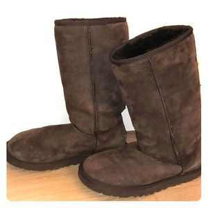 UGGs - classic mid-calf fit - great condition!